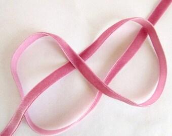 Solde -5% Ribbon velvet, old rose, width 1 cm