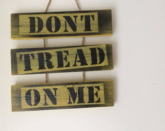 Dont Tread on Me. Christopher Gadsden Dont Tread on Me snake flag