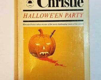 1970 SC Hallowe'en Party Agatha Christie Hercule Poirot Pocket Book