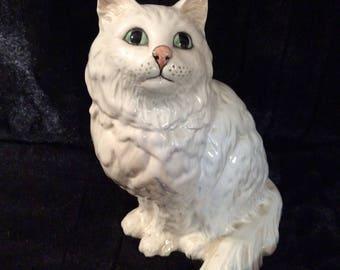 Benswick Antique 1867 White Persian Cat