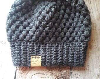 Messy bun beanie, Crochet messy bun beanie, Top Knot Beanie, Bun Hat, Crochet Bun Hat, Ponytail Beanie, Ponytail Hat, Messy Bun Hat