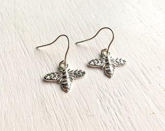 Silver bee earrings. Silver plated. Gift for girlfriend, sister, mum, grandma, best friend.