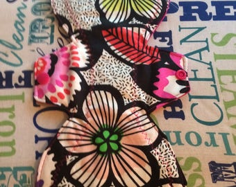 """11.5"""" Moderate Giant Flower Cloth Pad"""