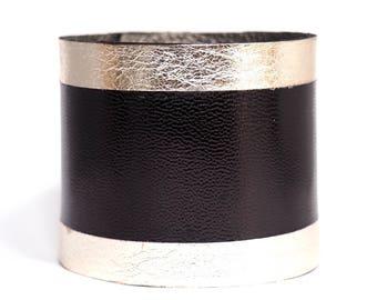 """""""Owo"""" genuine leather cuff"""
