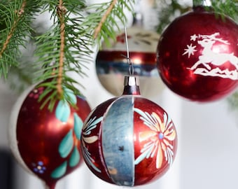 Vintage Christmas Glass Ornaments Set of 4 Holiday Home Decor 1950