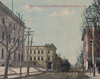 Cape Giradeau, Missouri Vintage Postcard - Broadway Looking West