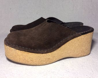 sz. 5 - 6 | Thom McAn 50's 60's brown suede leather cork platform wedge mules clogs, made in Italy