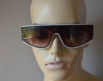 Super Cool True Vintage CORSAIR Brown White Sunglasses Wrap Taiwan 70's 80's