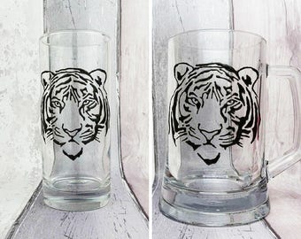 Tiger hand painted glass tankard, Pint glass, or tumblers, Gift for Dad, Gift for him, Gift for her, Birthday gift, Safari animal gift