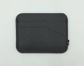 The round black card