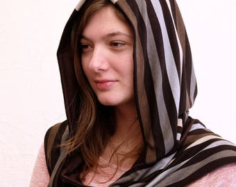 Elegant hood scarf