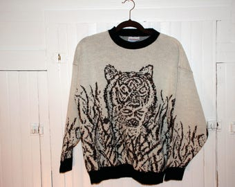 Vintage Sweater / 70s Sweater / Cozy Sweater / Tiger Sweater / Boyfriend Sweater / Fortune Knits Inc Sweater / Ladies Top / Winter Sweater