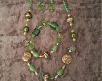 Green beaded jewellery set