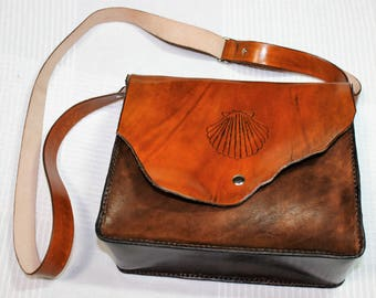 leather handbag tooled scallop shell