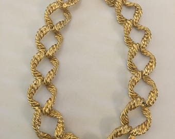 Vintage Gold Tone Chunky Link Necklace