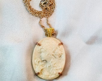Pearl Bust Cameo resin necklace