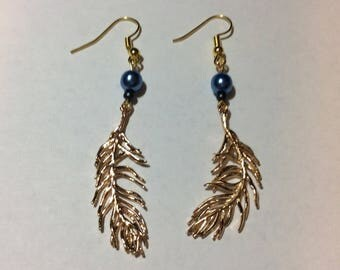 """""""14K gold plated feather and its renaissance Pearl"""" earrings"""