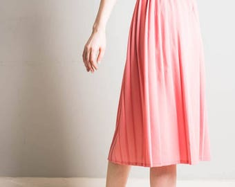 Pleated pink midi skirt // 1980s // cute // bubblegum pink // summer trend // approx uk size 10