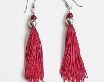 Earrings made of silk with aquamarine (red)
