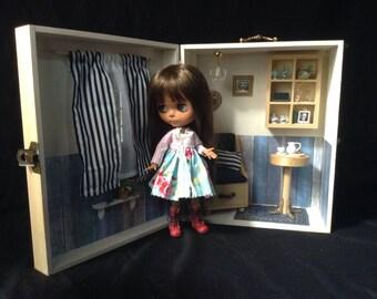 Diorama, Porta Blythe, Salon Beach House scale 1/6 for Blythe, Barbie and similar dolls