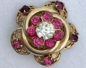 Vtg sweet rhinestone flower brooch