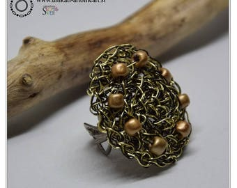 Wire Crochet Ring / Gold & Black Ring / Saddle Ring / Unique Crochet Ring / Crochet Wire Jewelry / Unique Ring / Pearl Jewelry / Wire Ring