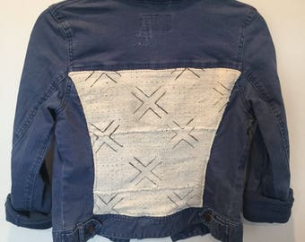 Women's Distressed Denim Jacket with Mudcloth Back {S}