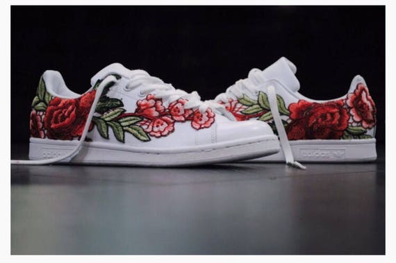 Rose embroidered stan smith adidas customized sneakers white