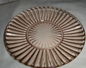 a pair of pink 6 inch plates