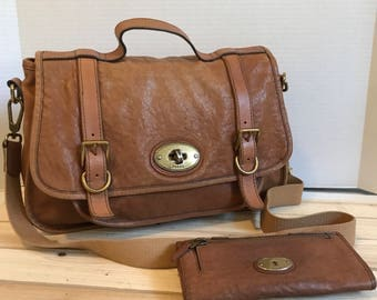 RESERVED FOR DANIEL // Vintage Fossil Leather Messenger Bag // Crossbody Bag // With Matching Wallet