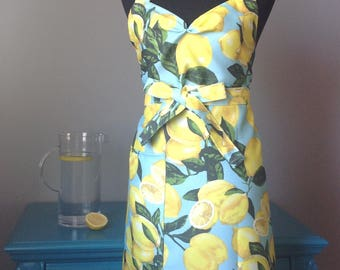 Fresh Lemons Apron with Sweetheart neckline - Plus size