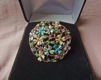 Monet 60's Floral Enamel Pin