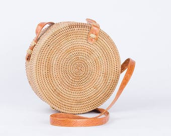 Stunning Women's Rattan Crossbody Round / Circular Straw Beach Bag - A Supreme Woven Shoulder Tote For Summer