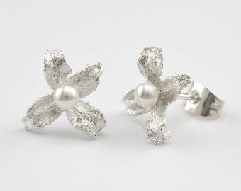 Silver Stud Earrings beaded flower bright