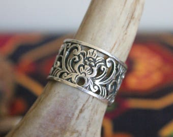 Vintage Swirly Sterling Boho Ring ~ Size 9.5