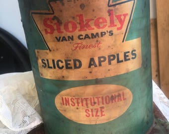 Vintage Tin Can, Authentic, Kitchen Decor, Farmhouse Decor, Shabby Chic, Rusty Tin Can, Green