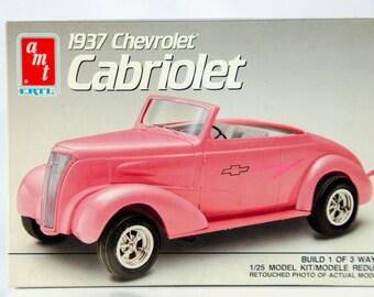 Vintage AMT 1937 Chevrolet Cabriolet 1/25 Model Car 6744