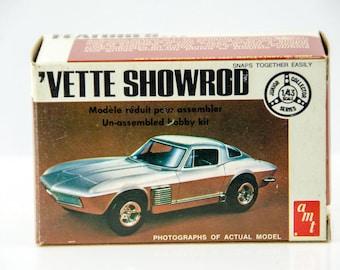 Vintage AMT Junior Collector Series Chevy Corvette Showrod 1/43 Scale Model T103