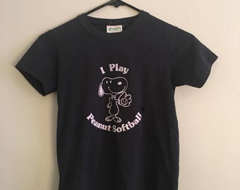 VINTAGE SNOOPY T // size extra small