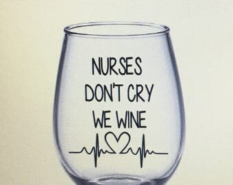 Nurse wine glass. Nurse gift. Rn wine glass. Rn gift. Registered nurse wine glass. Nursing student gift. Er nurse. Trauma nurse. Trauma quee