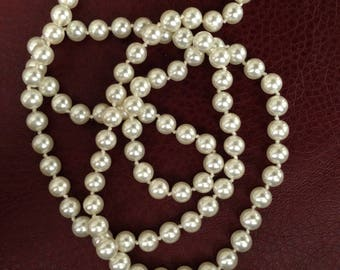 Vintage 36 inch Faux Pearl single-strand Necklace