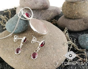 Set of sterling silver with rutilated quartz and garnet