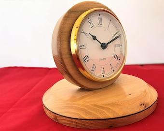 Mantel clock, Chestnut