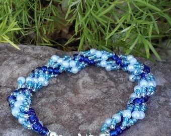 Blue & White Spiral Beaded Bracelet