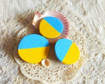 Party favor colorful set 3 brooches yellow blue geometric hand painted slice artisan jewelry badge wood pin Gifts for boys up brooch for man