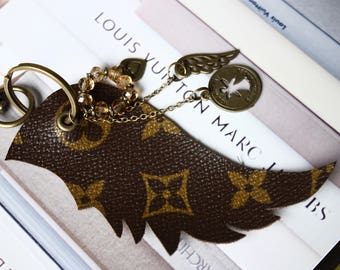 100% authentic Louis vuitton Monogram canvas-upcycled-Bag Pendant key fob _ Louis Wings