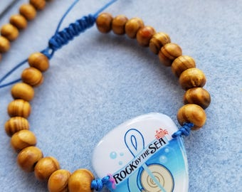 Rock by the Sea: Guitar Pick Bracelet