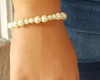 Sweet and elegant beaded bracelet