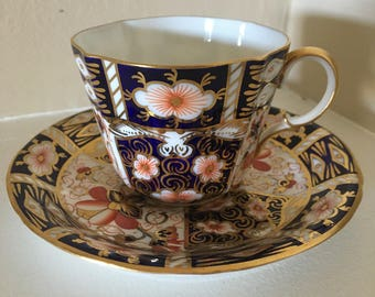 Royal Crown Derby Imari Traditional 2451 Teacup and dessert plate