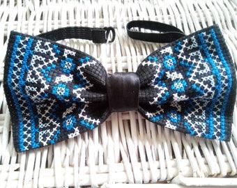 Men's bow tie